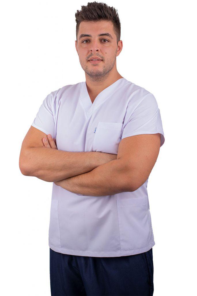 Специалист Стоматолог  От 2017 г. д-р Стамулис практикува професията на лекар по Дентална медицина като част от екипа специалисти на Saliev Dental Care. Владее гръцки, български и английски език.